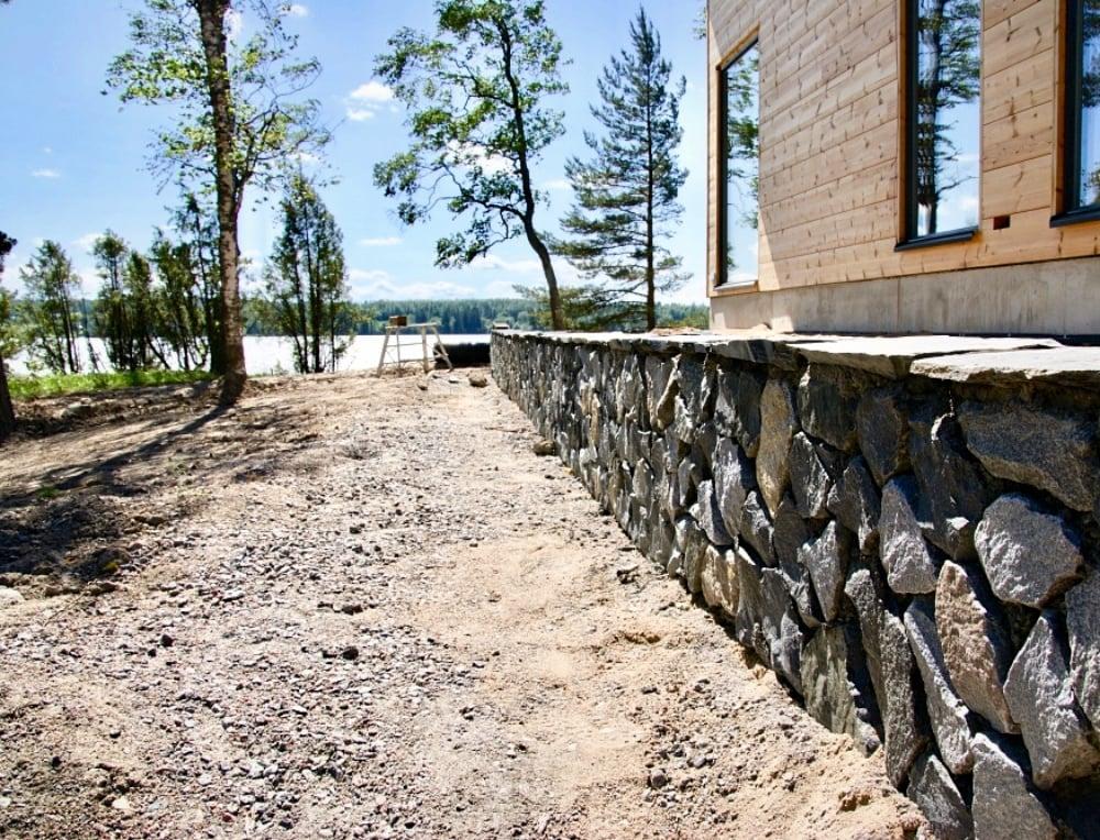 Stonelement Lohkare kivimuuri maanpaineseinä
